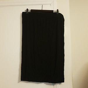 Bobeau lightweight black knit pencil skirt
